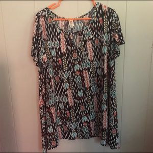 Patterned silky tunic top.